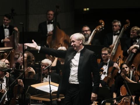 Lietuvos valstybinis simfoninis orkestras ir Gintaras Rinkevičius. LVSO nuotr.