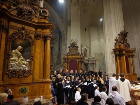 """Bernardinų bažnyčios choras """"Langas"""". J. Šarkaitės nuotr."""