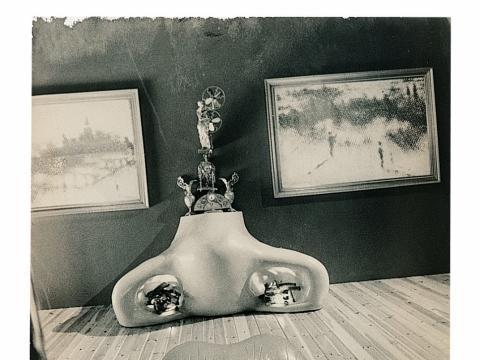 """""""Mae West portretas"""" be datos, iš parodos """"Joan Fontcuberta: Istorijos krizė"""""""