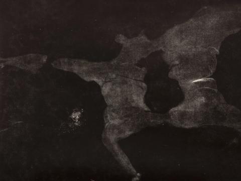 Živilė Minkutė. Kllišė. Kūnas: duoti. 2017. Monotipija, kūno atspaudas, 200 x 100 cm