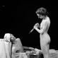 """Audrius Puipa, iš serijos """"Inscenizuoti paveikslai"""". """"Marato mirtis"""" (pagal Davidą). Pozuoja Irena ir Vytenis Jankūnai. 1996 m. G. Trimako nuotr."""