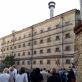 """Spektaklio """"Čia nebus mirties"""" žiūrovai buvusiame Lukiškių kalėjime. J. Lozoraičio nuotr."""