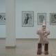 """Mikalojaus Povilo Vilučio parodos vaizdas. Priekyje skulptūra """"Vyras"""", granitas. 2014 m. A. Narušytės nuotr."""