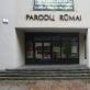 """Projekto """"Nedarbo laikas"""" plakatas ant Parodų rūmų vitrinos. 2009 m. V. Balsio nuotr."""