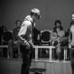 """Mantas Bendžius ir Marius Gotbergas spektaklyje """"Sudie, idiotai!"""". G. Matiuko nuotr."""