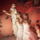 """Scena iš spektaklio """"Tryliktas apaštalas, arba Debesis kelnėse"""". D. Matvejevo nuotr."""