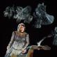 """Nora Petročenko (Judita) ir Renata Dubinskaitė (Holofernas) spektaklyje """"Juditos triumfas"""". D. Kučio nuotr."""