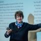 """Vokietijos leidyklos """"Aufbau"""" gamybos vadovė Renate Stefan pasakoja apie knygos atsiradimo užkulisius. M. Puidos nuotr."""