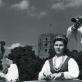 Regina Tamošaitienė ir Pranas Tamošaitis groja prie Gedimino bokšto. Šeimos archyvo nuotr.
