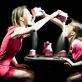 """Adelė Šuminskaitė ir Jovita Jankelaitytė spektaklyje """"Trans Trans Trance"""". T. Ivanausko nuotr."""