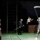 """Oskaras Koršunovas repetuoja spektaklį """"Rusiškas romanas"""". Filmuotos medžiagos kadras"""