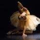 """Rūta Jezerskytė šokio spektaklyje """"Mano gyvenimas"""" (choreografas Jurijus Smoriginas). M. Raškovskio nuotr."""