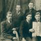 Krakių gimnazistai, penktokai. Vytautas – kairėje, greta akordeonininko. R. Viržonytės ir R. Aleknaitė-Bieliauskienės archyvo nuotr.