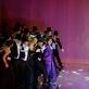 Fabienne Conrad (Manon), Ho-Yoon Chung (de Grijė) ir choras. M. Aleksos nuotr.