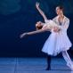 """Paula Krivickaitė ir Martynas Čiučiulka scenoje iš baleto """"La Péri"""". M. Aleksos nuotr."""