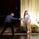 "Michele Angelini (Ričardas Persis), Francesca Sassu (Ana Bolena), Jovita Vaškevičiūtė (Smitonas) operoje ""Ana Bolena"". M. Aleksos nuotr."