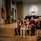 Beata Šmidtienė, koncertmeisterė Sigutė Gražinienė ir jaunieji smuikininkai. J. Anusauskienės nuotr.