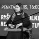 Žemyna Trinkūnaitė ir jos kanklės kultūros centrų salėje. D. Klovienės nuotr.