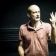 """Choreografas, režisierius ir dramaturgas Jo Strømgrenas spektaklio """"Durys"""" repeticijoje . T. Ivanausko nuotr."""