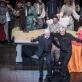 """Jonas Vaitkus, Josefas Wallnigas ir atlikėjai po operos """"Don Žuanas"""". D. Matvejevo nuotr."""