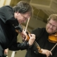 Lietuvos kamerinio orkestro meno vadovas Sergejus Krylovas ir Džeraldas Bidva. D. Matvejevo nuotr.