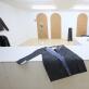 """Antano Gerliko parodos """"Rūbinė"""" fragmentas galerijoje """"Editorial"""". V. Nomado nuotr."""