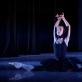 """Choreografė Anželika Cholina (g. 1970). Gulbė. Šokio spektaklio """"Pamišusių merginų šokiai"""" fragmentas pagal Camille'o Saint-Saënso muziką. 1999. Šoka Vakarė Radvilaitė (9 kl.), mokytoja Gražina Dautartienė. Martyno Aleksos nuotrauka"""