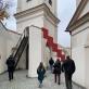 """Vladas Urbanavičius, """"Laiptai į dangų ir jų šešėlis"""" Bažnytinio paveldo muziejaus kieme. R. Pauliukevičiūtės nuotr."""