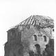 """Laukstyčių (Lochstedt) pilies griuvėsiai tuoj po mūšių (1945). Čia rastas Kristijono Donelaičio """"Metų"""" rankraštis, keli profesoriaus Martyno Liudviko Rėzos rankraščiai ir nemažai senovinių spaudinių lietuvių kalba. LMAVB"""