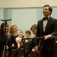 Modestas Barkauskas ir BAO studentų orkestras. M. Aleksos nuotr. iš LMTA archyvo