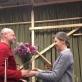 Rūta Prusevičienė sveikina LNSO violončelininką kompozitorių Arvydą Malcį