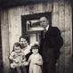 Stasys ir Antanina Paskačimai su vaikais Zenonu ir Regina. 1934 m. D. Tamošaitytės asmeninio archyvo nuotr.