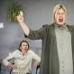 """Viktorija Kuodytė ir Aldona Vilutytė spektaklyje """"Terapijos"""". D. Matvejevo nuotr."""