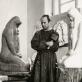 """Leonas Žuklys dirbtuvėje prie skulptūros """"Motina"""". 1973 m. Marijono Baranausko nuotr."""