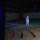 """Parodos metu po visą kino teatrą vaikščiojo žmogus-zuikis, išlipęs iš Aurelijos Maknytės videokūrinio """"Žmogus-zuikis"""", 2009 m. V. Vitaleus nuotr."""