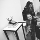 """Eglės Lekevičiūtės parodos """"Ratais kvadratais"""" atidarymo svečiai. 2015 m. E. Lekevičiutės nuotr."""