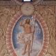 Lentvario bažnyčios triumfo arkos centrinė kompozicija, vaizduojanti prisikėlusį Jėzų keturių evangelistų simboliais apsuptoje mandorlėje.  A. Baltėno nuotrauka