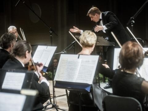 Nicholas Milton ir Lietuvos kamerinis orkestras. LNF archyvo nuotr.