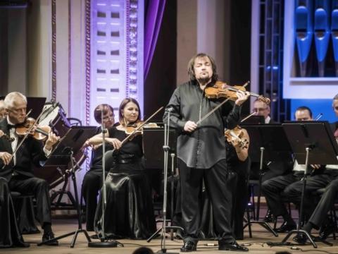 Lietuvos kamerinis orkestras ir dirigentas Sergejus Krylovas. LNF archyvo nuotr.